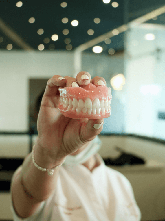 dental-clinic-cancun-feel-confident-again-with-prosthetics-in-cancun